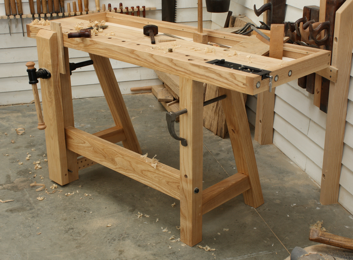Traditional hand tool workbench