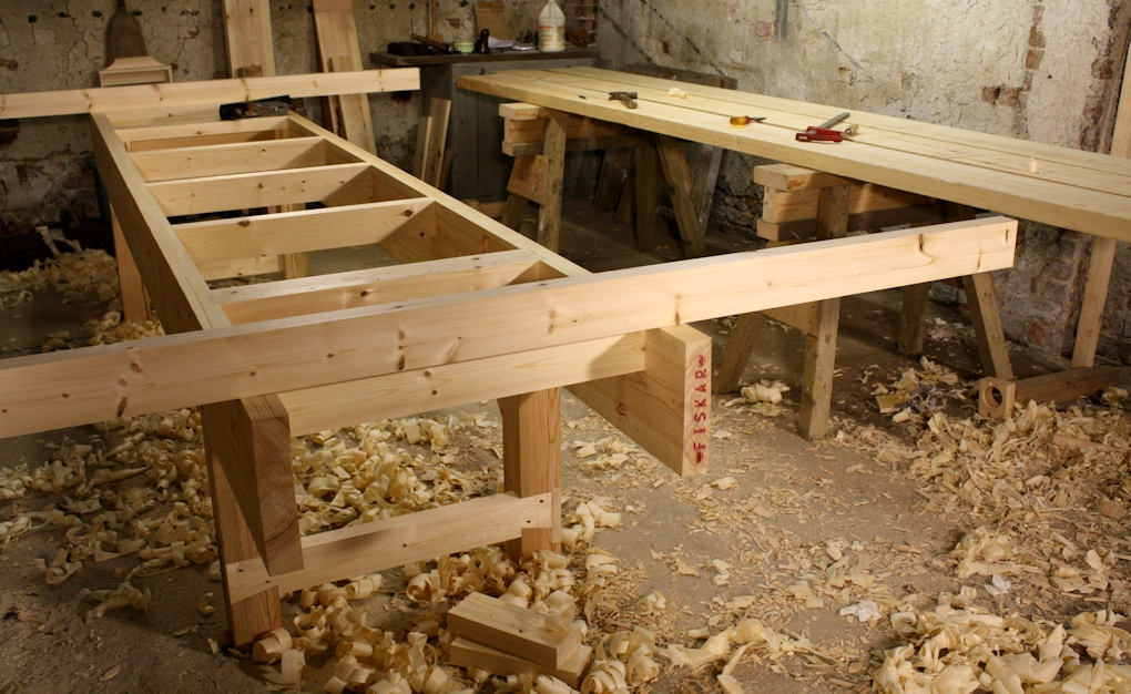 Choosing the best workbench height when planning your bench build