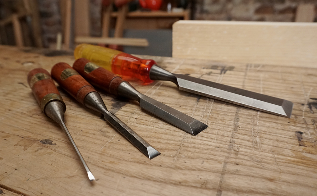 Fine bevel edge chisels for dovetailing