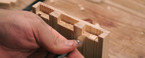 learn to cut half blind dovetails
