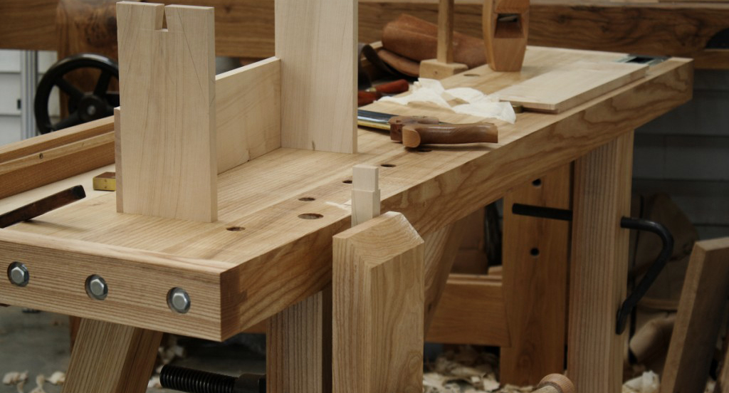 Woodworking bench vice position. Face and tail vices